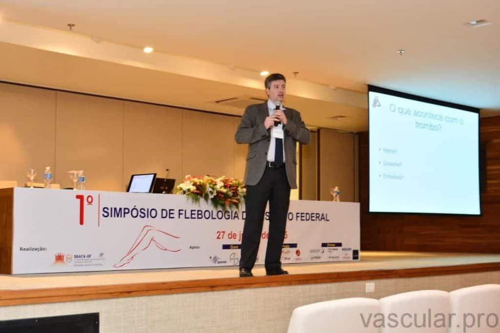 Flebologia: varizes e tratamento