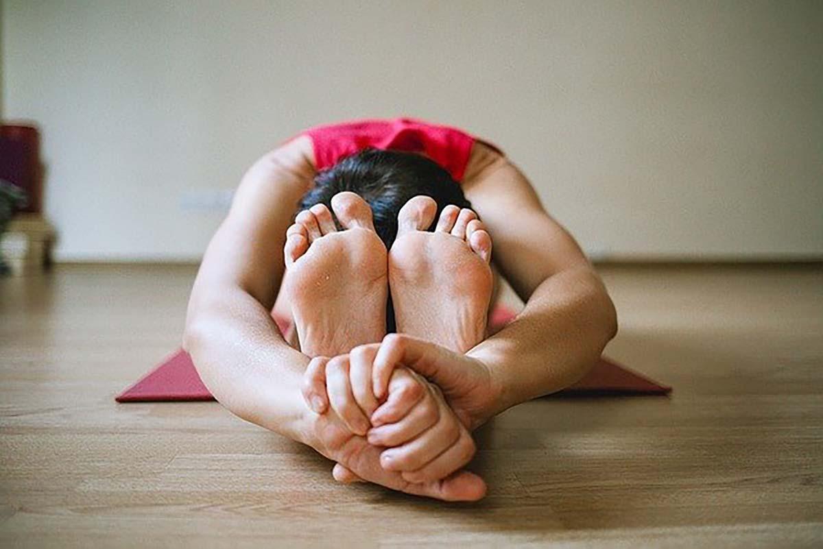 5 exercícios para reduzir a dor nas pernas<span class=