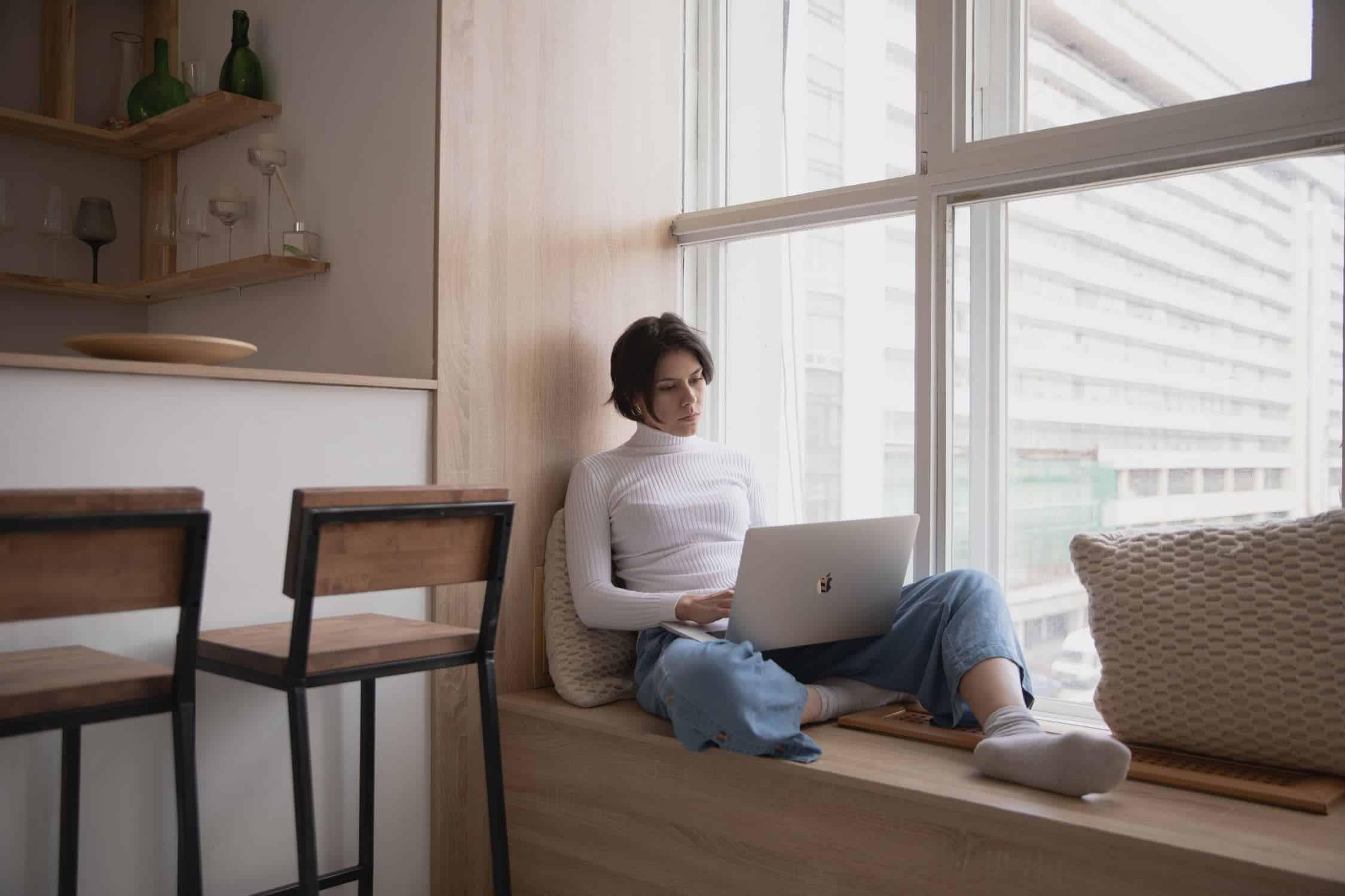 Como evitar as dores nas costas durante o home office<span class=